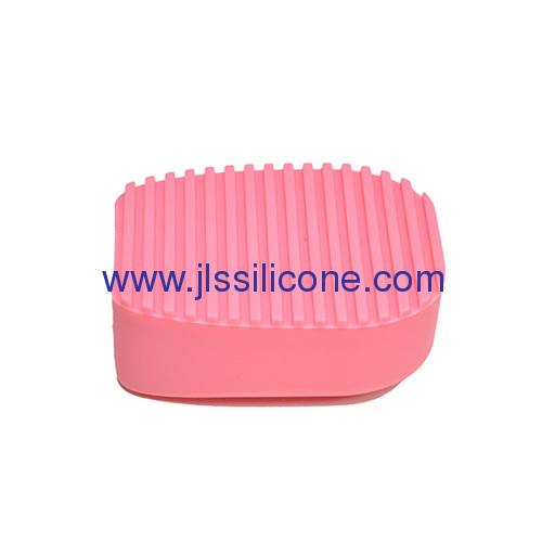 Wave shape silicone close wash brush