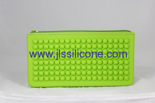 Concave convex point designed silicone handy bag