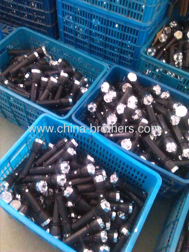 YG-7023 LONG VERSION ROUND PIN RECHARGEABLE LED TORCH
