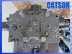 Komatsu PC200-7 main control valve