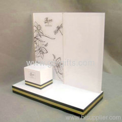 Beautiful and elegant cosmetic display stand holder