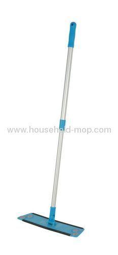 2 x Extendable Microfibre Mops & 4 Washable Heads