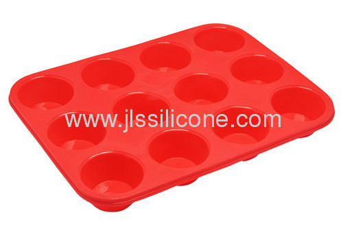 silicone cake/muffin baking pan with 12 cavities
