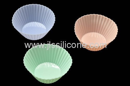Traditional round silicone muffin and jelly baking mold