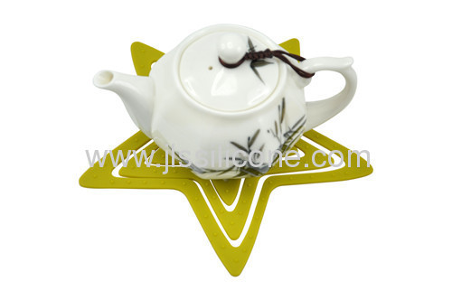 Beautiful different table accessories silicone mat
