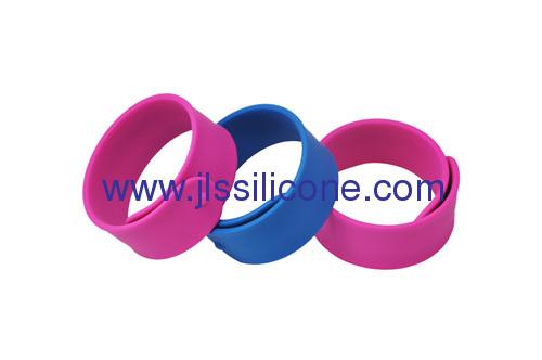 Hot sale promotion gifts silicone slap band bracelet