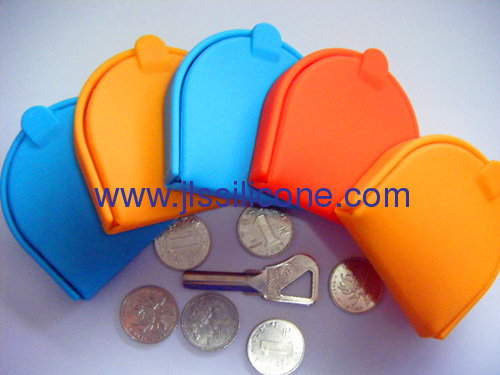 Abrasion resistant U style silicone coin wallet