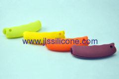 Silicone protective gripper in candy colors