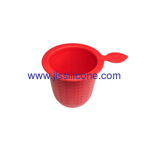 Silicone tea strainer and infuser with leave shape handle