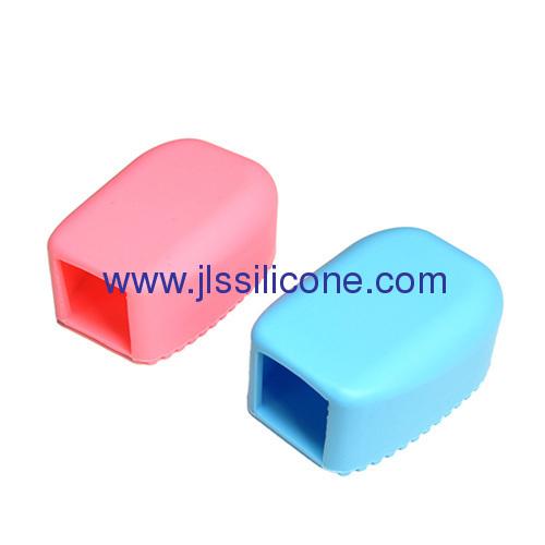 Attractive silicone close wash brush