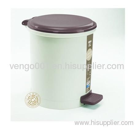 pedal plastic trash bins