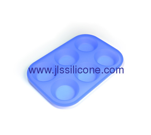 6 cavities and round shaped silicone cake baking molds