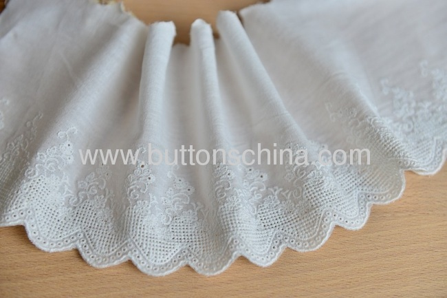 TC EMBROIDERY LACE WITH COLTHES