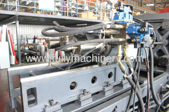 70 ton high precision direct clamping injection moulding machine