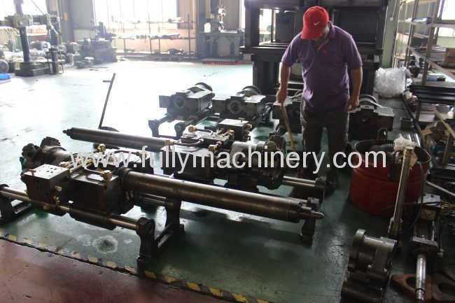 110 ton high precision direct clamping injection molding machine