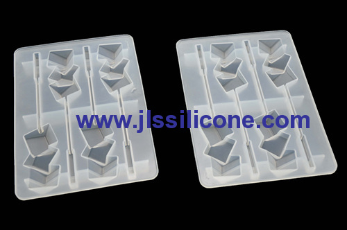arrow shaped silicone ice cube trays with 4 cavities