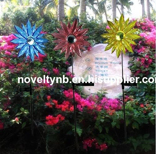 Solar powered flower light