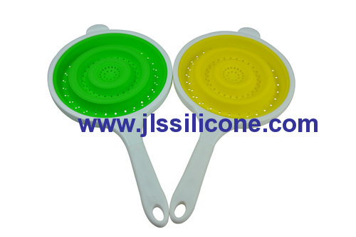 kitchen cooking silicone pasta strainer and colander with plastic handle