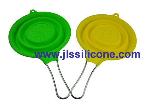 silicone kitchen colander and strainer with stainless steel handle
