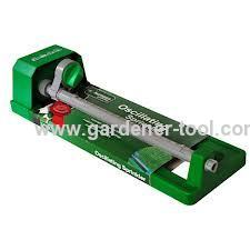 15(17) hole oscillatinggarden lawn sprinkler with plastic base
