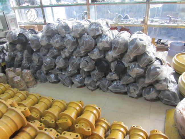 PC75 (rubber) 21w-30-00021 track roller for KOMATSU excavator