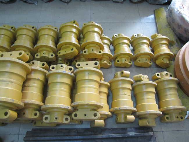 HITACHI EX100-2 9132600 track roller for excavator
