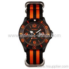 Watches fashion 2013 plastic case nylon band CE & RoHS certified men's watch no MOQ