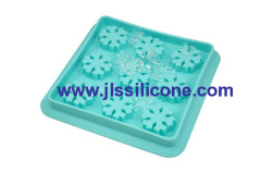 9 cavities silicone ice cube trays in snowflake shape