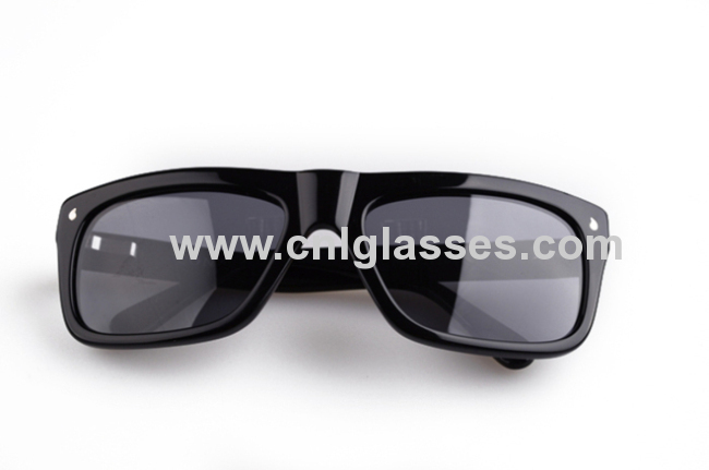 custom polarized wayfarer sunglasses from china