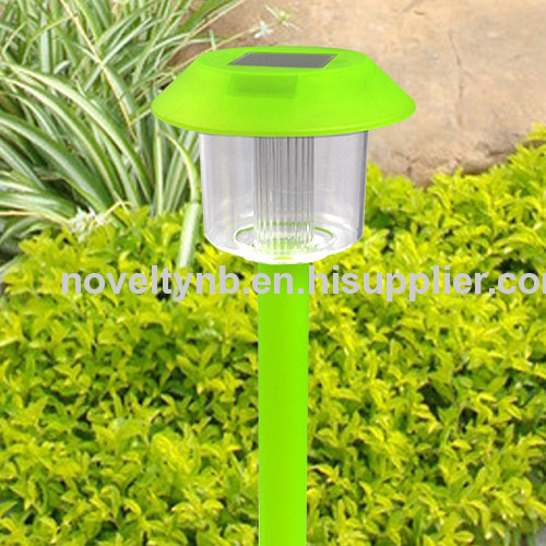 Solar garden light for green