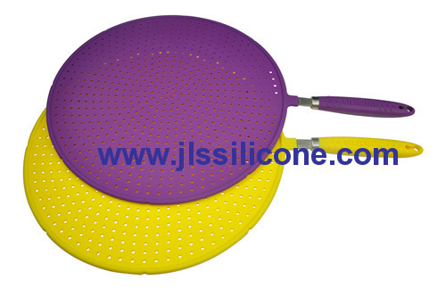 Useful silicone kitchen strainer with steel handle