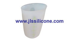 clear silicone flexible measuring beaker and cup