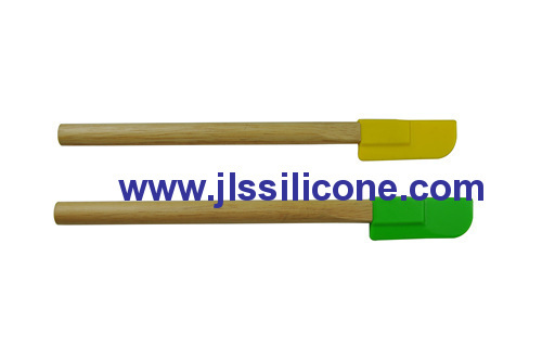 10.8 inch wood handled durable silicone spatual and scraper