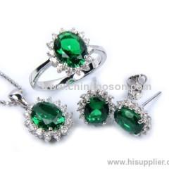 Emerald jewellery set for ladies