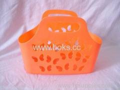 2013 Cheap plastic soft baskets with handle