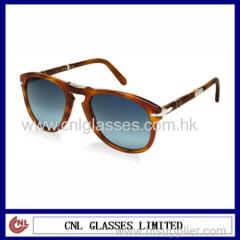 tortoise frame foldaway sunglasses
