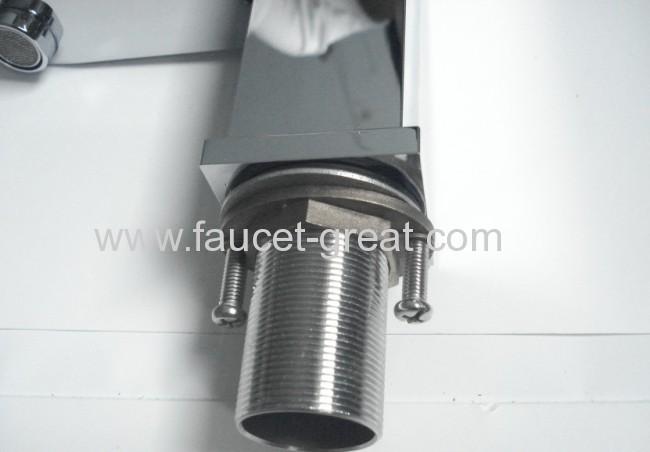 Square Chrome Faucet With Good Qualtiy