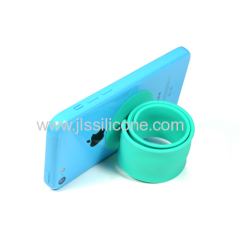 newest silicone phone stand silicone phone stand bracelet