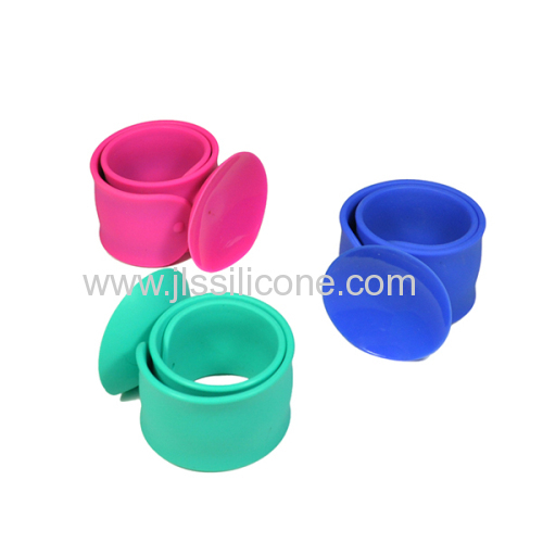 new arrival silicone paipai bracelet for phone stand