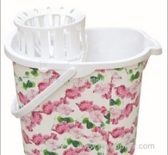 Heat transfer film for dewatering mop bucket