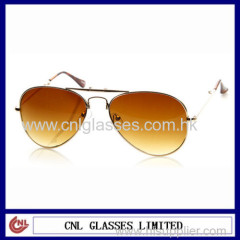 China Factory New design trade wholesale bulk buy fashion sunglasses uk