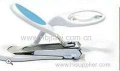 Magnifier nail clipper/magnifying nail clipper