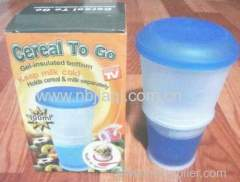 Durbale plastic salad cup with spoon/breakfast cup /cereal and milk seperately cup