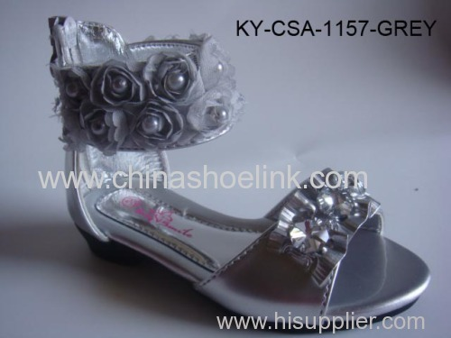 Fashion pu leather sandal with flower, zipper,beads ornament and lightly cushioned footbed, child sandal