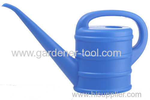 plastic outdoor watering can with 1.5L capacity