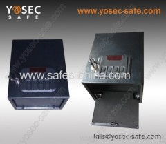 Quick access pistol safe with digital codes for handgun G-18E