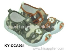 Canvas shoe with injection sole