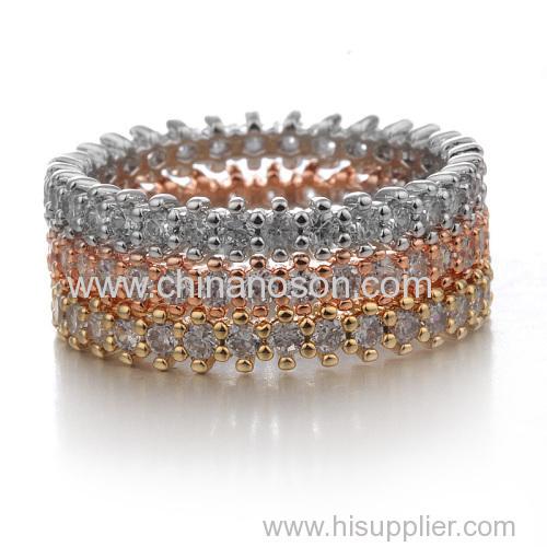 Stylish wedding ring with cubic zirconia stones