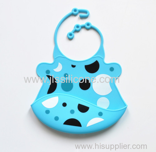 100% Silicone baby bibs protect child from dirty easy wash