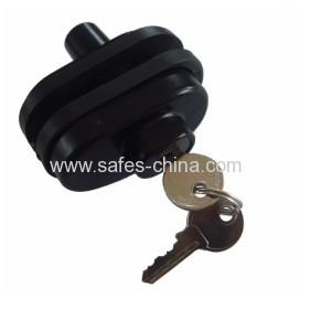 Keyed trigger lock for pistol